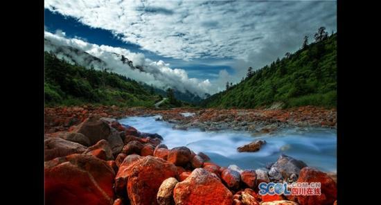 川西环线景区联盟成立 打造世界级旅游黄金走廊